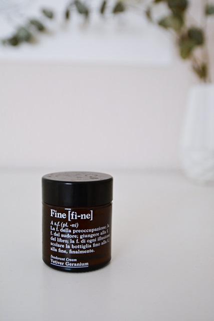 LaryTales_Fine_Deocreme_Review